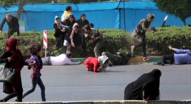 Photo of Ataque durante desfile militar en Irán causa 24 muertos