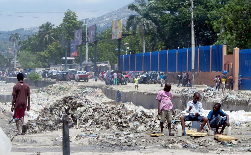 Photo of Así es como Haití se despierta: La población teme tomar calles, algunas de las cuales pueden ser incendiadas.