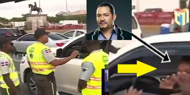 Photo of Agentes de la DIGESETT detuvieron al bachatero Frank Reyes circulando sin placa.