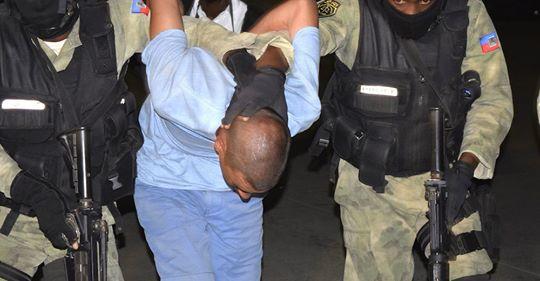 Photo of Apresan 5 Dominicanos ilegales en Haití , haitianos piden 250 mil para soltarlos, cancillería de RD no hace nada VIDEO