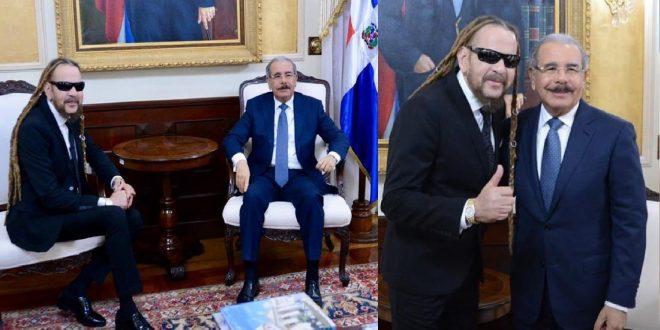 Photo of Toño Rosario se toma fotos con el presidente y le sale el tiro por la culata.