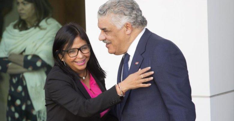 Photo of Miguel Vargas afirma sostuvo comunicación con vicepresidenta de Venezuela