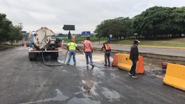 Photo of Obras Públicas concluirá este domingo reparación socavón autopista Duarte