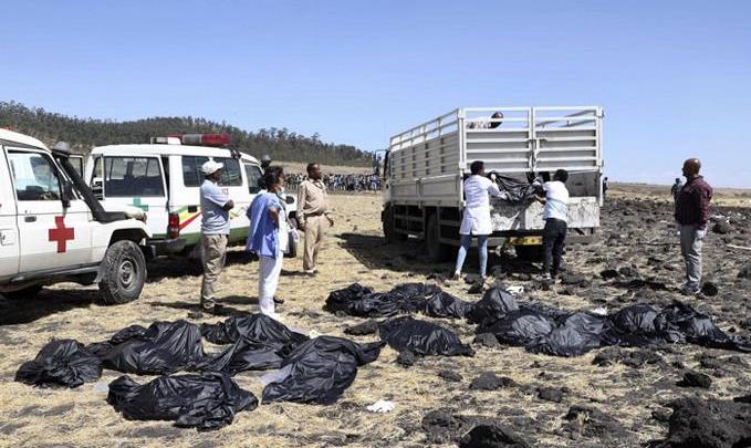 Photo of Mueren 157 personas de 35 nacionalidades al estrellarse un avión en Etiopía