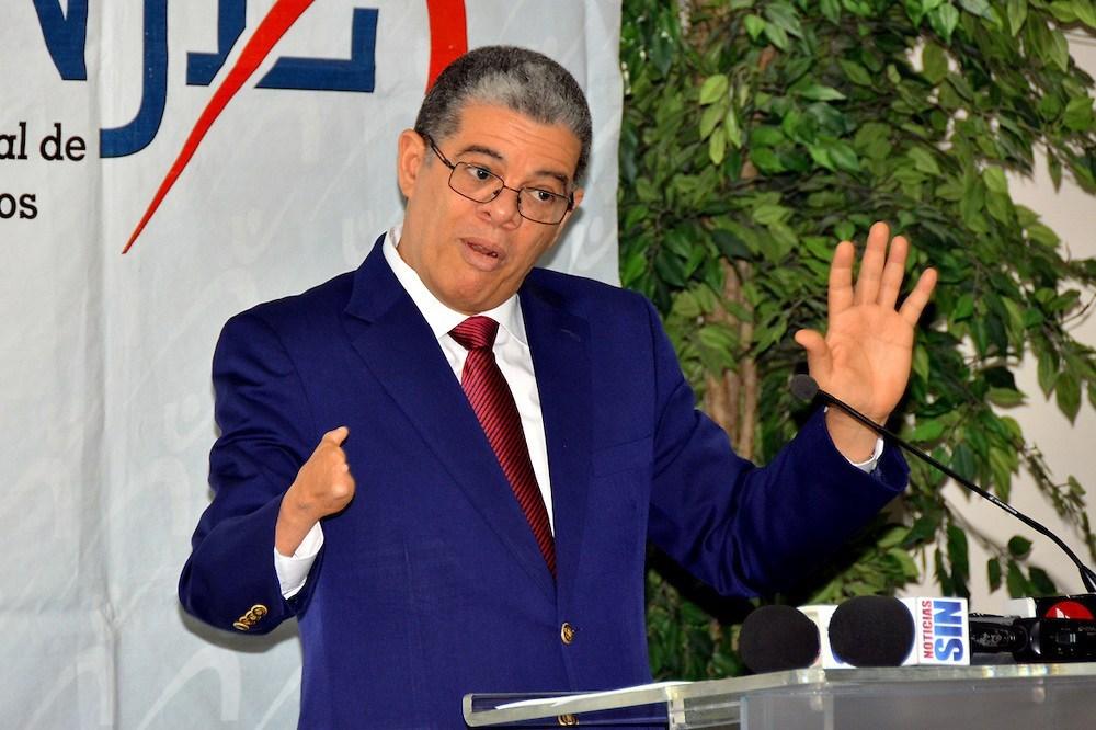 Photo of Amarante Baret: «Leonel busca 8 años en el poder y no 4, para tener 20 como presidente»