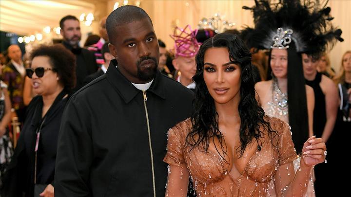 Photo of Kim Kardashian y Kanye West anuncian la llegada de su cuarto hijo