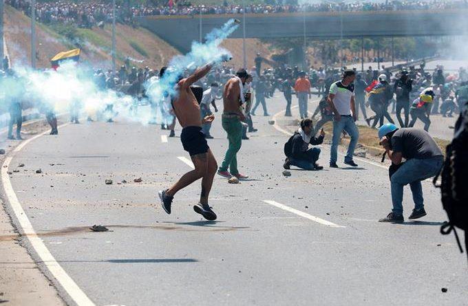 Photo of Se desata una intentona para derrocar régimen Nicolás Maduro