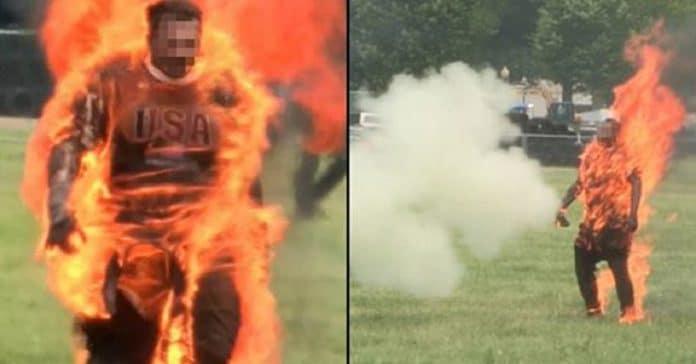 Photo of Un hombre se prende fuego en frente de la Casa Blanca