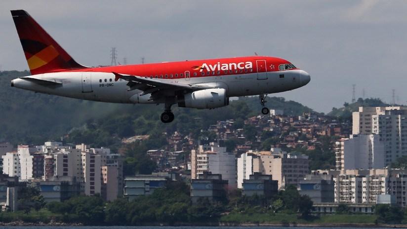Photo of Pasajero se suicida en el baño de un avión que volaba entre España y Colombia