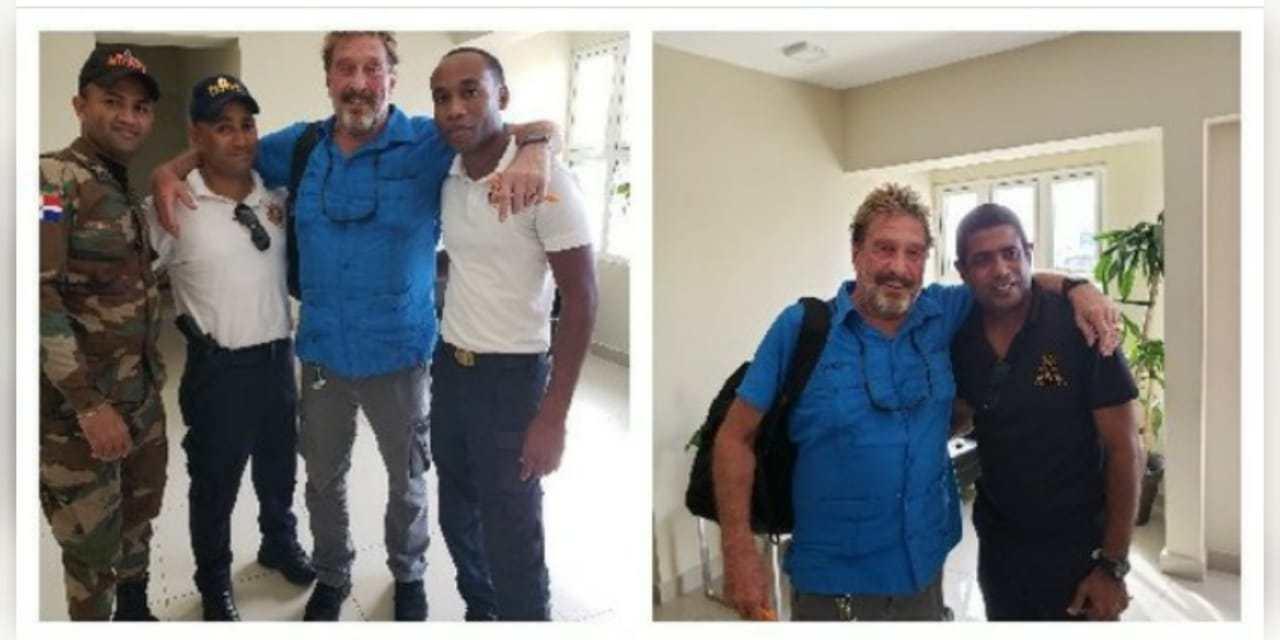 Photo of Autoridades dominicanas dejan libre a John MacAfee tras apresarlo fuertemente armado