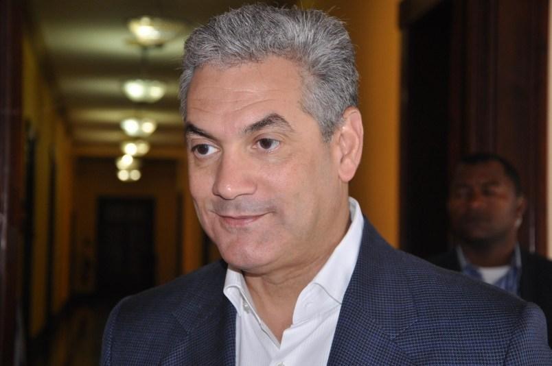 Photo of Gonzalo Castillo hablará la semana próxima sobre sus aspiraciones presidenciales