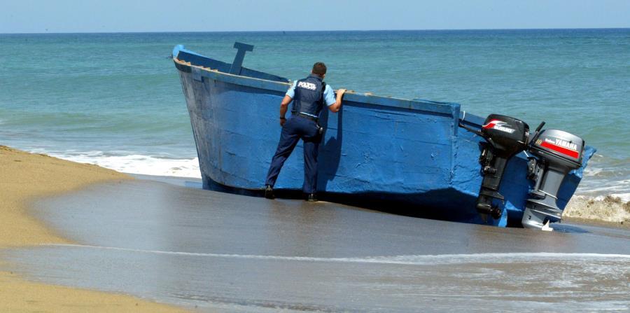 Photo of Hallan en playa de Puerto Rico tres hombres muertos creen llegaron en yola de RD