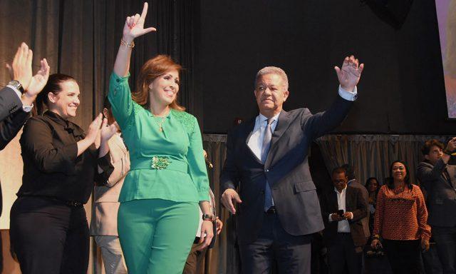 Photo of A esposa de Reinaldo le preocupa RD caiga en manos «no experimentadas»