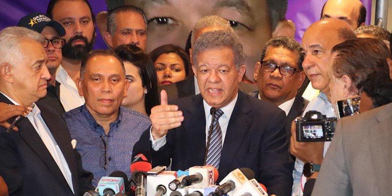 Photo of Leonel Fernández dice hackers alteraron 875 mesas de votación; señala oficina de Gonzalo como uno de los puntos que operó indú para el delito informático
