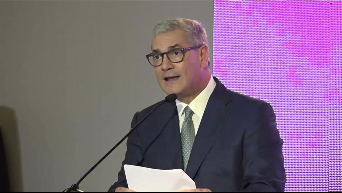 Photo of Gonzalo Castillo cuando fue ministro firmó contrato publicitario con Delis Herasme por $8 MILLONES