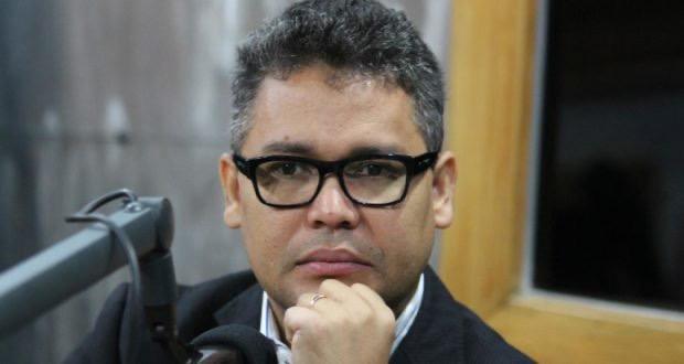 Photo of Carlos Peña pide al gobierno proteger símbolos patrios conforme a la Constitución y las leyes