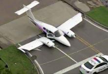 Photo of Avioneta aterrizó de emergencia en concurrida avenida de Miami-Dade y se estrelló contra un camión de Amazon sin causar heridas a sus conductores