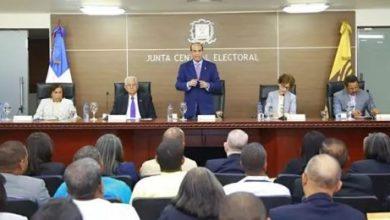 Photo of JCE permite a Fernández presentarse a elecciones como candidato del PTD